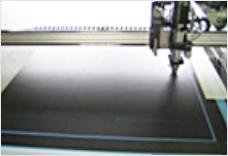 導電性プラダンシートのカット加工